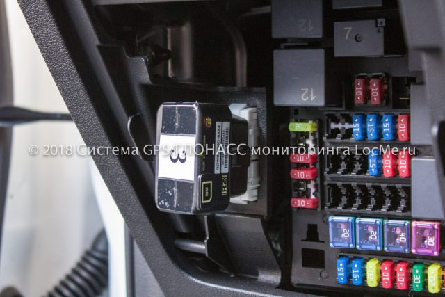 Трекер iON Connect - прибор контроля качества вождения